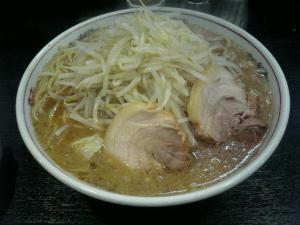 岡山市一番街の二郎ラーメン系店「ダントツラーメン」2