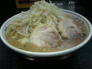 岡山市一番街の二郎ラーメン系店「ダントツラーメン」3