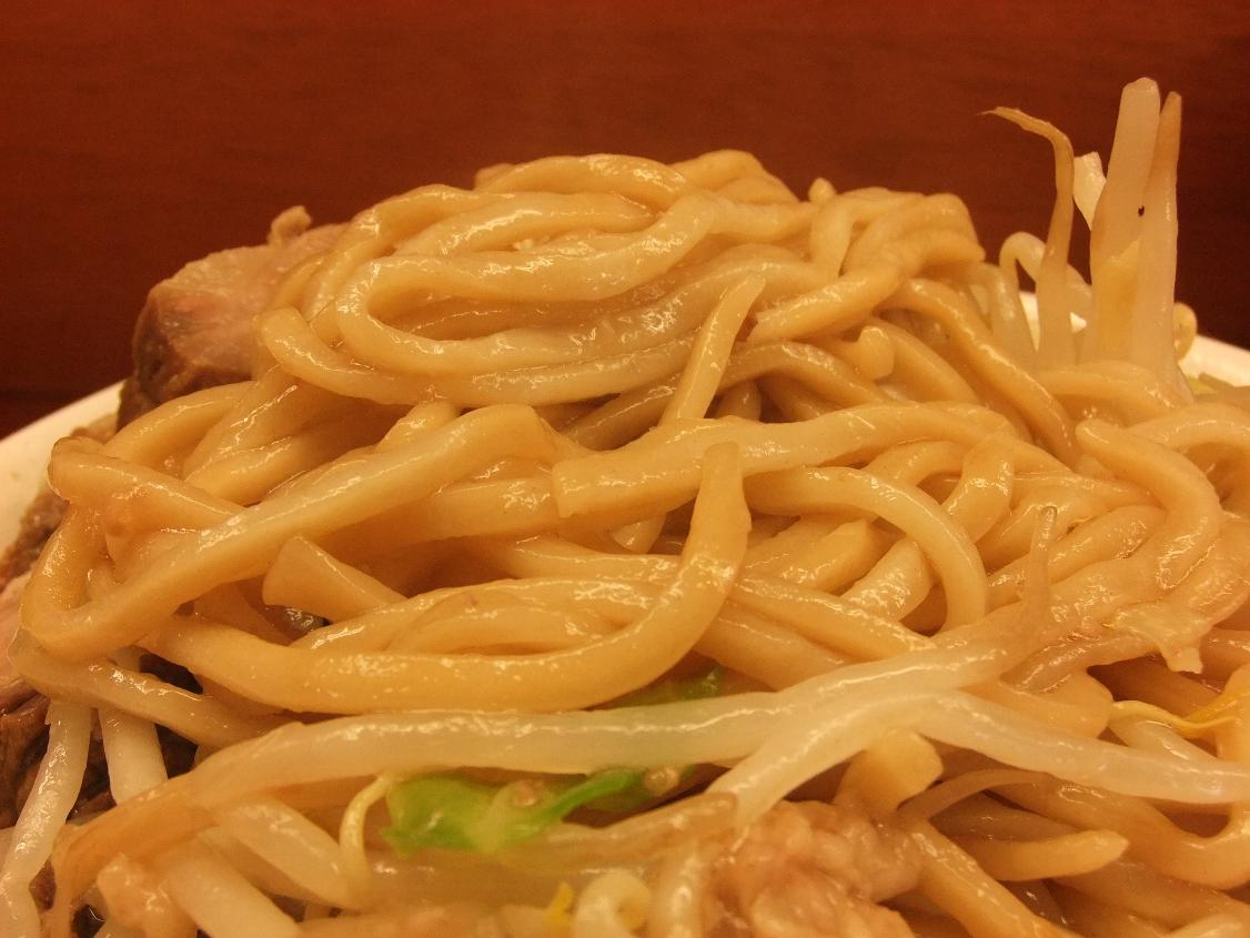 ラーメン二郎 立川店:麺 10.05.22