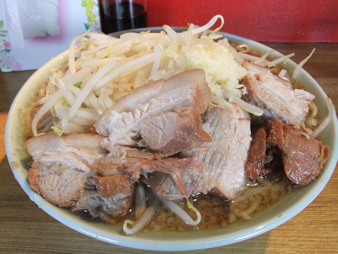 ラーメン髭:醤油チャーシューメン(ニンニク) 10.06.06