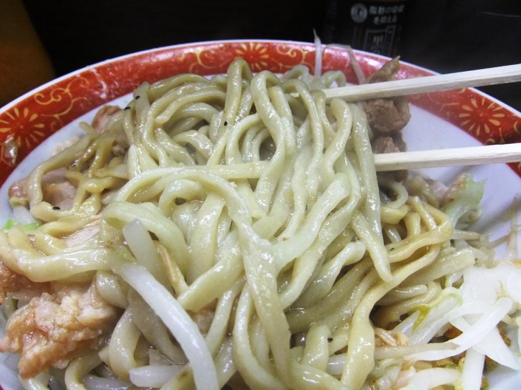 ラーメン二郎 横浜関内店:麺 10.10.03