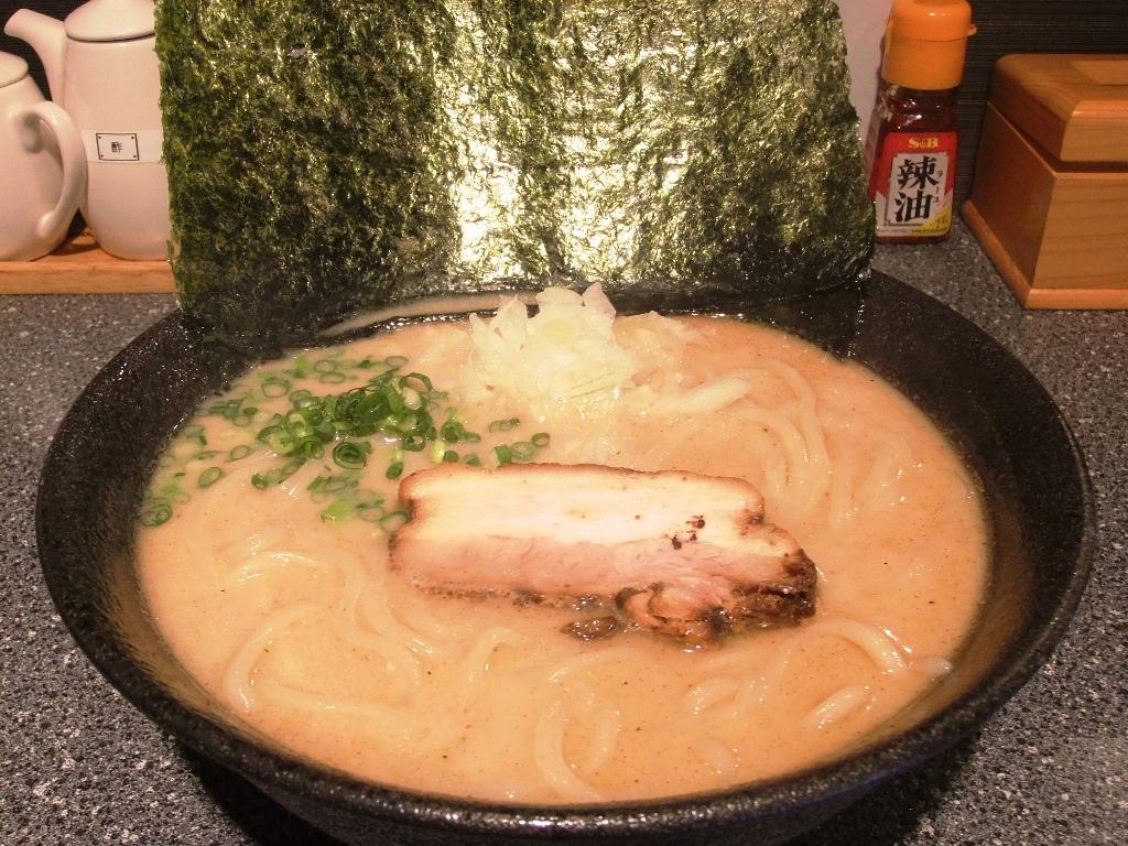 ラーメン厨房 麺バカ息子 徹:ラーメン大盛 10.11.22