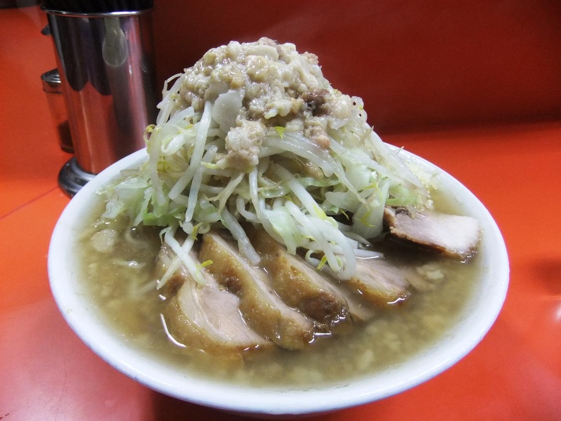 ラーメン二郎 神田神保町店:小豚(ヤサイマシマシニンニクアブラ) 10.11.30