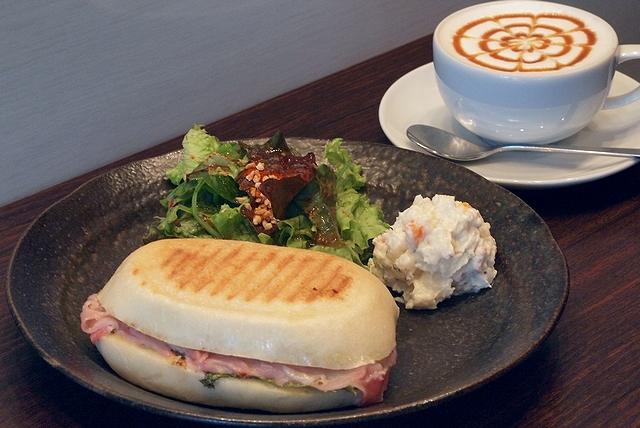 Cafe IL MATTO103