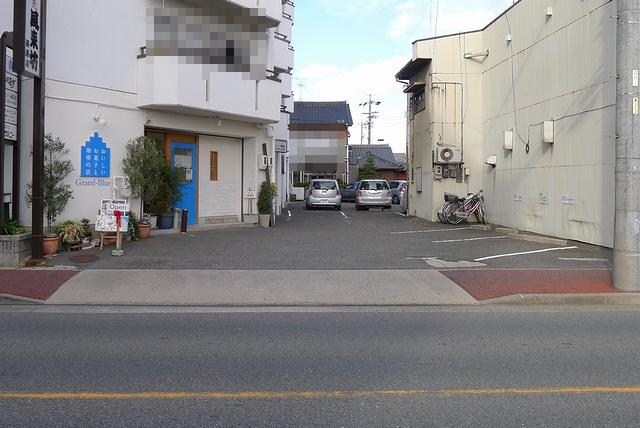 Grand-Blue駐車場01