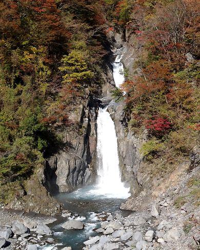 梅ケ島紅葉赤水の滝-5
