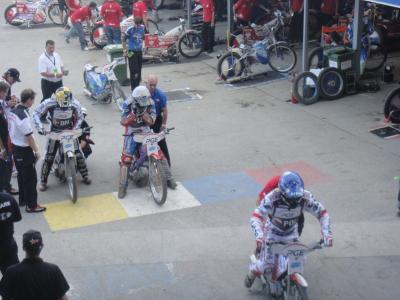 バイクレース