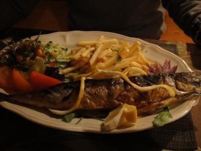 河川敷沿いのレストラン