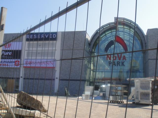 4 18 2012  ショッピングセンターopen