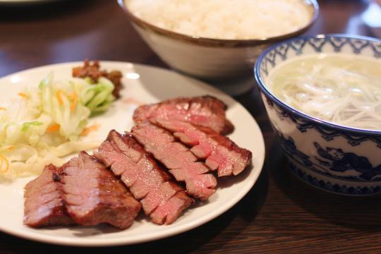 松島の牛タンの店利休