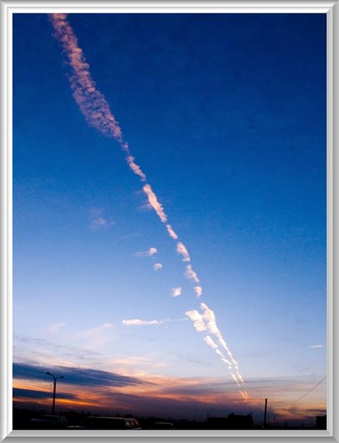 480飛行機雲