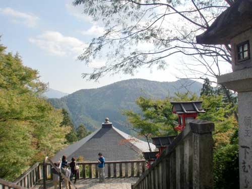 本殿から見えた山