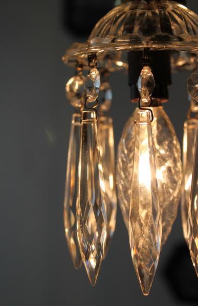 キラキラプリズムとガラスシェードのお洒落な1灯ミニシャンデリア ちっちゃいけど存在感大!