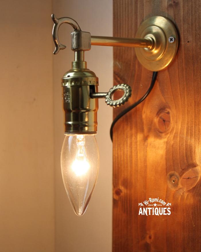 2012auction105 USA鍵付ソケット真鍮壁掛ライト、ブラケットB/アンティーク照明