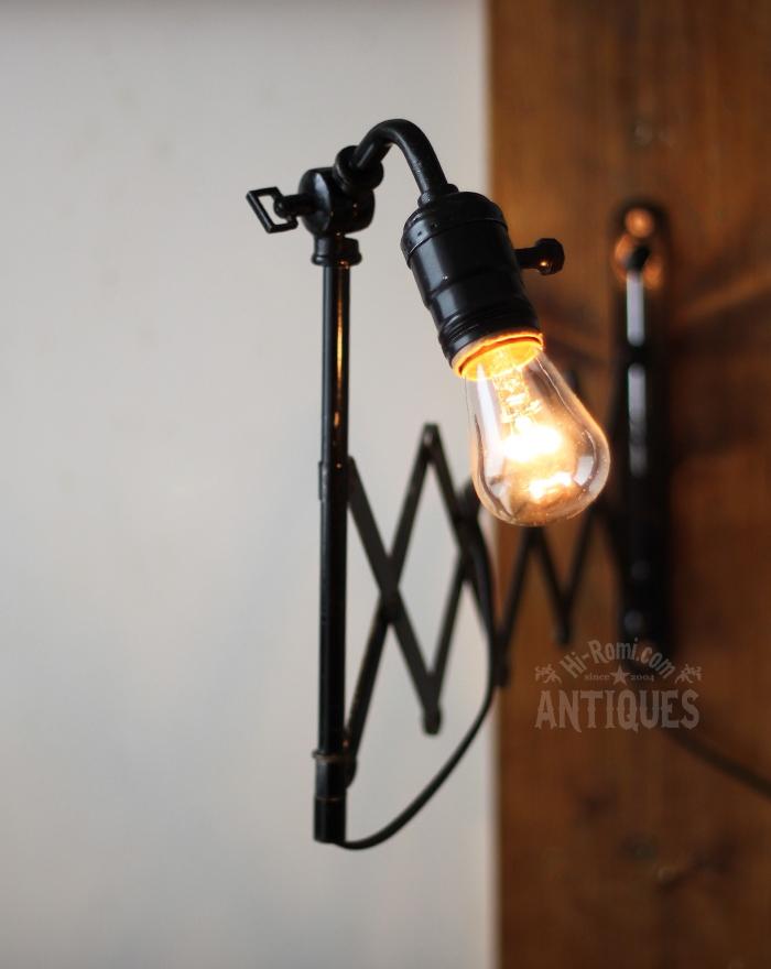 2012auction131 USA角度調整付工業系シザーランプ/アンティーク照明、蛇腹ライト