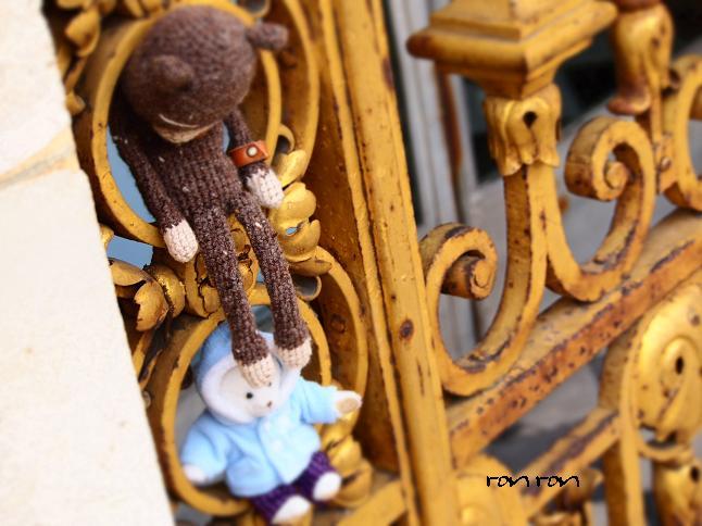 ベルサイユ宮殿で編みねこくん