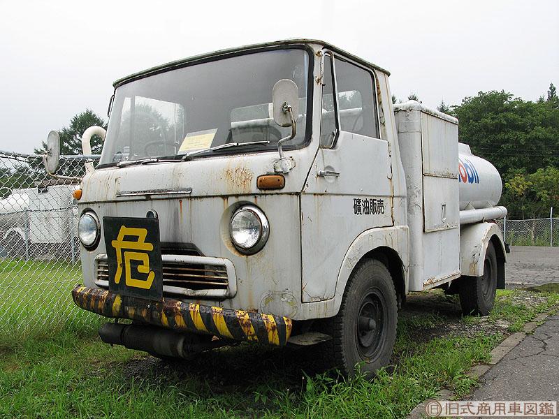 Isuzu ELF-1.jpg