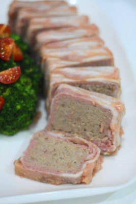 豚ひき肉とベーコンのお手軽パテb
