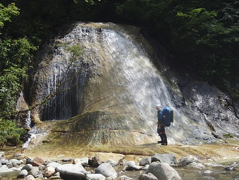 支流(大ベコ沢)の滝