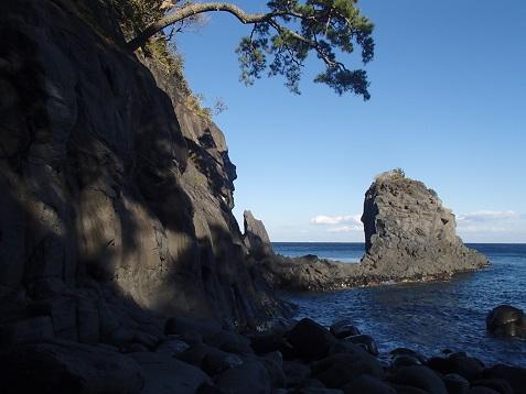 フナムシ北の岩