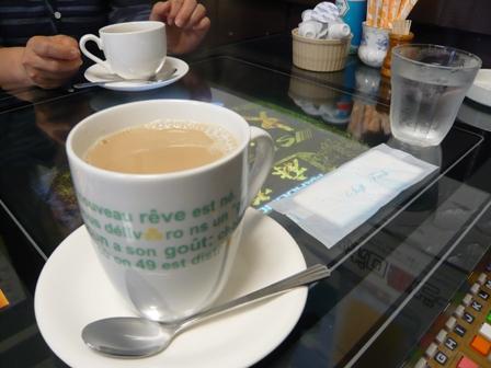 まき:カフェオレ、ホット珈琲