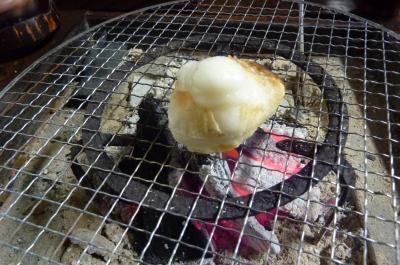 火鉢で焼いた餅