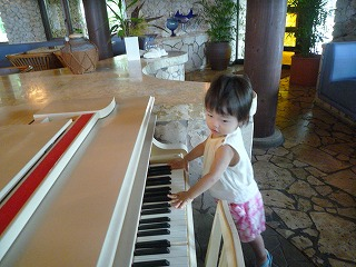 110911_ムーンシェルのピアノ (5)