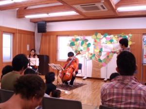 201008絵本朗読と生演奏