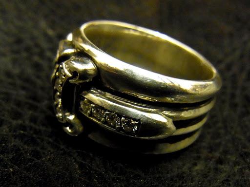 クロムハーツのリングの刻印 (16)