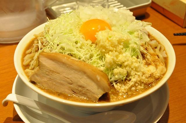 DSC_1221 夜限定10食 味噌ジロー 850円+麺5バカ(500g)200円 気合マシ