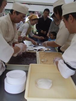 ふるまい餅 6周年祭