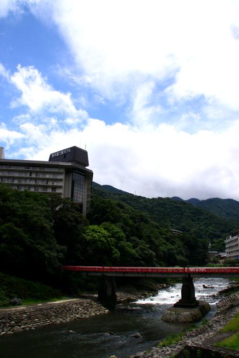 715-m01.jpg