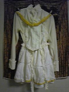 旦那作・嫁コップレ衣装。今日は襟元作ったりなので写真ではあまり変化がない。