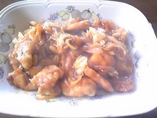 嫁料理・鶏肉のチリソース炒め。辛いけど美味しいーな出来。