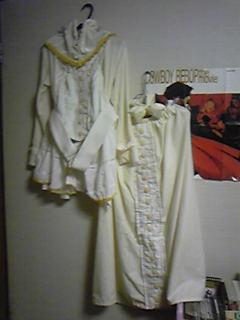 旦那からのホワイトデー、ということで嫁コップレ衣装。