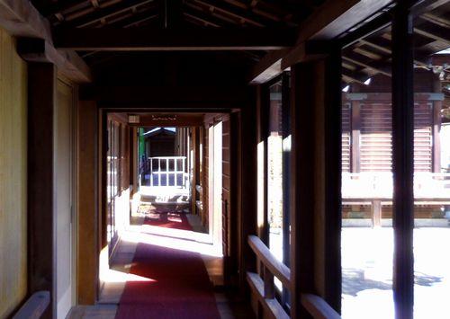 青葉神社16廊下