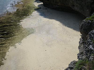 瀬底の海岸01