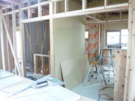 2階壁ボード貼り (2)
