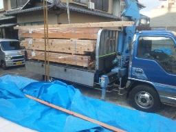 一階構造材の搬入