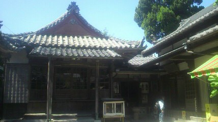 45番札所泉蔵院の大師堂です。