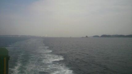 10時25分師崎発名鉄フェリーで渥美半島まで行きました。フェリーからの景色です。