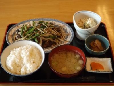 レバニラ定食 (1)