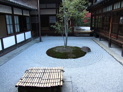 IMG_4492 〇△□の庭