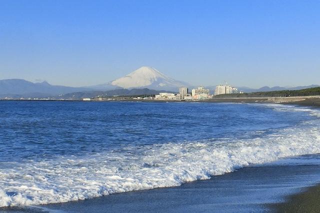 やさしく見守る富士山