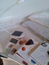 IKEA SUNNAN(ソーラーライト) 白 とエッセイ本