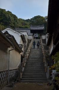 西方寺山門と階段