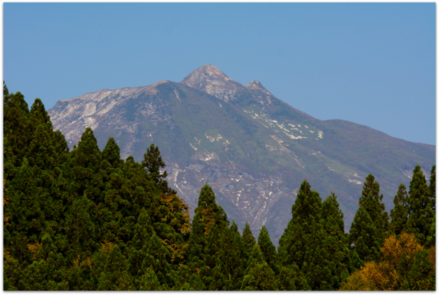 青森県 観光 西目屋村 八郎岩 二見岩 岩木山