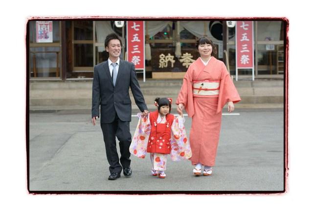 弘前 八幡宮 七五三 記念 写真 撮影 出張 同行 カメラマン 写真館 フリーカメラマン 写真家 フォトグラファー 神社 子ども