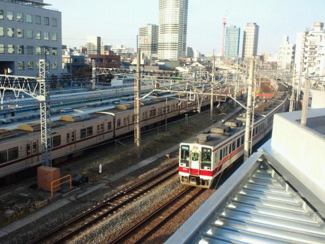 「東武スカイツリーライン」を走る6050系