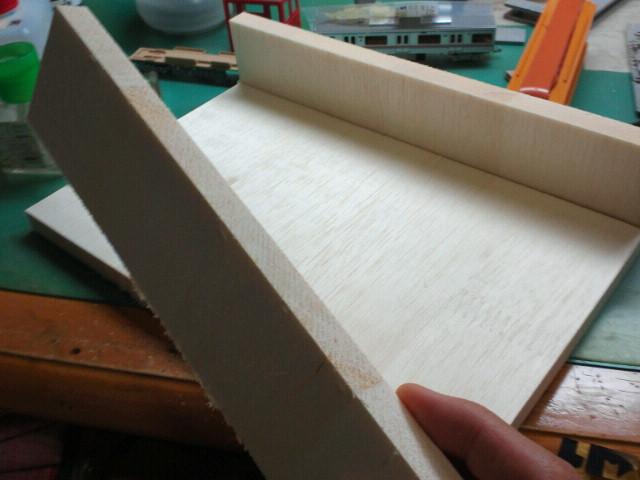 古い木工用ボンドが使えました